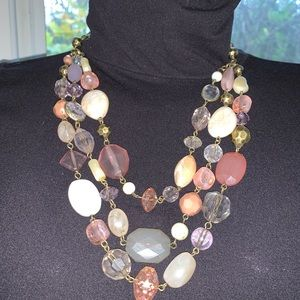 Jewelry - Vintage stamped stone/bead necklace